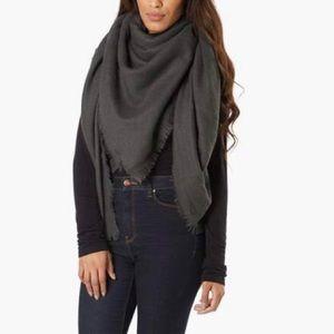Accessories - Oversized Warm Blanket Scarf